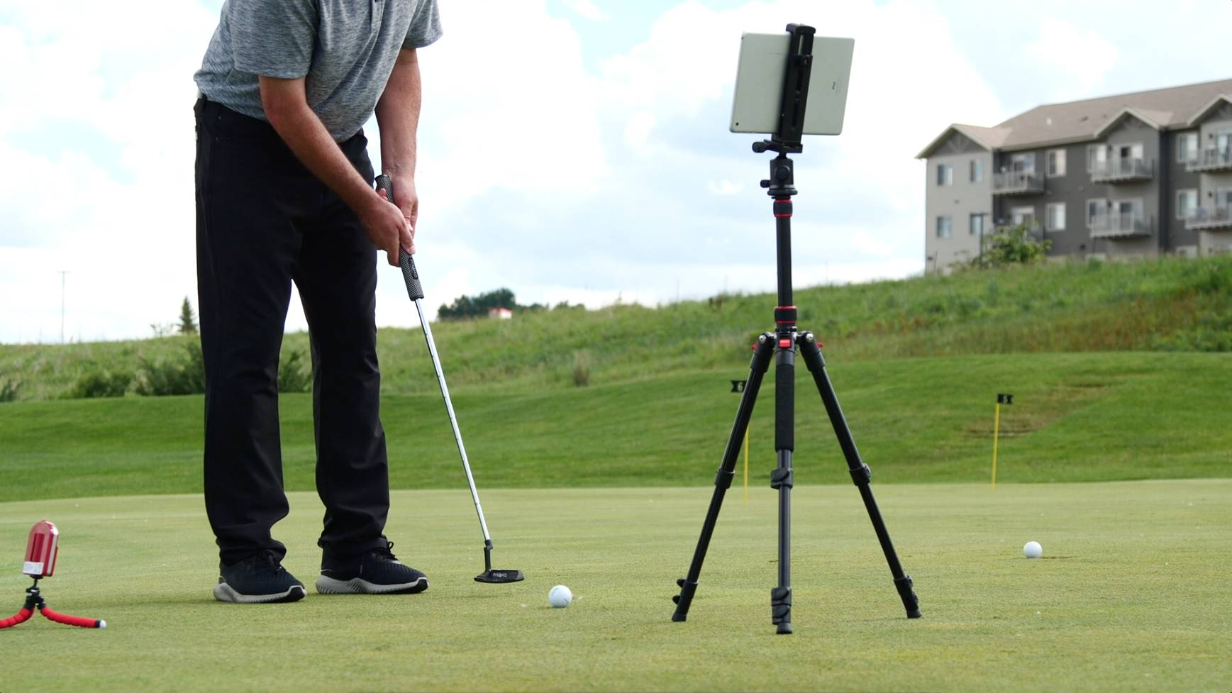 Live View Golf is a portable device that allows you to practice any part of your golf game